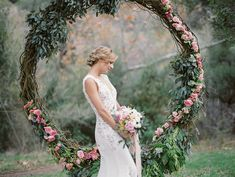 This sweet styled shoot is bursting with North Carolina wedding ideas and inspiration that blends the vibes of the 1920s with the 1960s, while even giving a nod to chic bohemian styling through its romantic details.