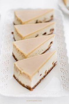Sernik chałwowy | Moje Wypieki Polish Desserts, Polish Recipes, Cheesecake Recipes, Cheesecakes, Sweet Recipes, Feta, Food Photography, Cooking Recipes, Yummy Food