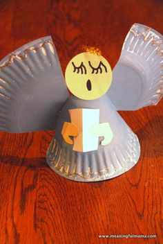 christmas angel crafts for kids | Day #354 - Angel Paper Plate Christmas Craft - Meaningfulmama.com
