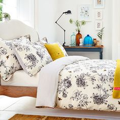 5 ropa declaración que harán que usted quiere deshacerse de sábanas blancas opacas