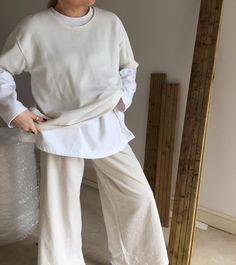 -S T R A I G H T B L A C K L I N E- - Beige + White -