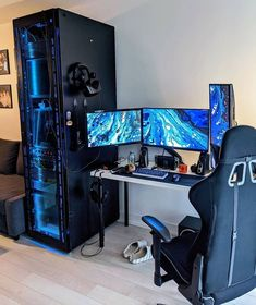 Build a better desktop. We inspire you to create your very own computer setup, workstation and battlestation. Computer Gaming Room, Computer Desk Setup, Gaming Room Setup, Gaming Pcs, Gaming Rooms, Gaming Chair, Bedroom Setup, Video Game Rooms, Home Office Setup