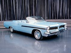 1963 Pontiac Bonneville Palm Springs Model / Automobilist WORLD OF COLOR- BLUE GREENS / Maharani show car
