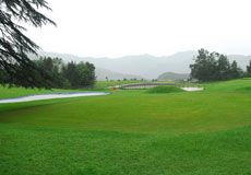 Accommodation options at hotels in Naldehra are limited. Book hotels or resort in Nalhedra, Shimla enjoy Naldehra golf course and playing golf.