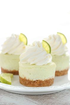 These Mini Key Lime Cheesecakes feature an easy homemade graham cracker crust topped with a smooth and creamy key lime cheesecake filling. The perfect dessert for any time of year! So many of you loved these mini oreo cheesecakes I Key Lime Pie Cheesecake, Mini Cheesecake Bites, Mini Cheesecake Recipes, Cheescake Bites, Mini Dessert Recipes, Homemade Cheesecake, Classic Cheesecake, Raspberry Cheesecake, Key Lime Desserts