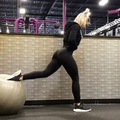 30 New Ideas For Fitness Inspiration Body Motivation Glutes Yoga Outfits, Fitness Outfits, Legging Outfits, Fitness Fashion, Fitness Wear, Workout Outfits, Casual Outfits, Pants Outfit, Sport Outfits