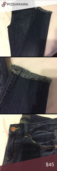The limited universal Denim skinny ankle These jeans are absolutely amazing but they are a size to small for me. They are brand new with out the tags. Universal denim from summer 2016. The Limited Jeans Skinny