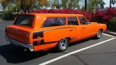 Super Bee Wagon