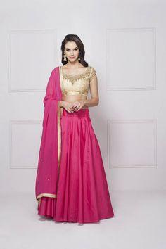 HOUSE OF OMBRE pink and beige lehenga set #flyrobe #weddings #friendsofthebride #designerwear #indianweddings#indianweddingoutfits