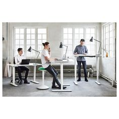 I really want to give coworkers the option for a standing desk/// BEKANT Desk sit/stand IKEA You can adjust the height of the table top electrically from to to ensure an ergonomic working position. Desks Ikea, Sit Stand Desk, Sit Stand Workstation, Ikea Family, Office Workspace, Office Spaces, Ikea Office, Work Spaces, Design Offices