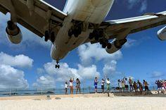 飛行機好きにはたまらないカリブ海の「マホビーチ」 | roomie(ルーミー)