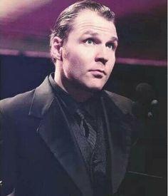 OMG!! Dean look so god damn hot in that suit *_*
