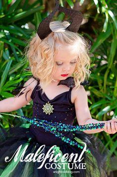 Easy No-Sew Maleficent Halloween Costume | anightowlblog.com