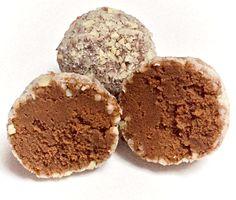 Heavenly sweets: cream caramel truffles – Desserts World Chocolate Granola, Chocolate Desserts, Small Desserts, Fun Desserts, Sweets Recipes, Candy Recipes, Toffee, Creme Dessert, Truffle Dessert