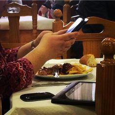 Así no hay quien coma #lunch #comida #blackberry #smartphone #tablet by #simbiosc #simbiosctv #nosvemosenlosrestaurantes