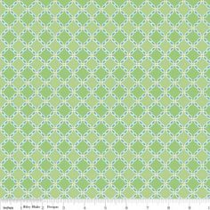 http://www.plushaddict.co.uk/all-fabric/quilting-weight-cottons/by-collection/riley-blake-flower-patch/riley-blake-flower-lattice-green.html Riley Blake - Flower Patch Lattice Green