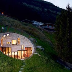 The Villa Vals in Switzerland offer a very unique place to stay. The rental is integrated into the landscape with only one side of the villa showing. Earthship, Amazing Architecture, Architecture Design, Landscape Architecture, Therme Vals, Earth Sheltered Homes, Villa, Underground Homes, Unusual Homes