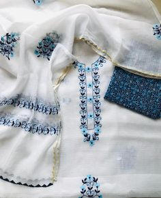 Embroidery Suits Punjabi, Embroidery On Kurtis, Kurti Embroidery Design, Embroidery Dress, Embroidered Blouse, Hand Embroidery, Churidar Designs, Kurti Neck Designs, Blouse Designs