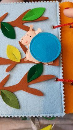 Diy Quiet Books, Baby Quiet Book, Felt Quiet Books, Felt Crafts Diy, Baby Crafts, Crafts For Kids, Quiet Book Templates, Quiet Book Patterns, Baby Learning Toys
