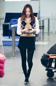 Krystal Jung | Airport Fashion | Preppy | asymmetric shorts