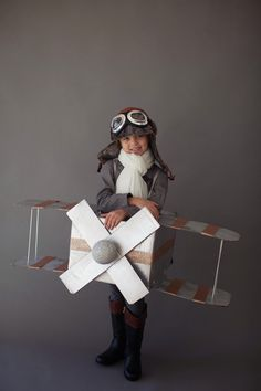 Strong girl Halloween costumes: Amelia Earhart at Erin Volante Floral