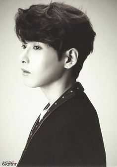 SMTown Week 'SJ Treasure Island' Postcard - Kim Ryeowook's side view ^^ (Cr:Kwanshin)