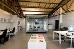 Smog, Oficinas by Oficina Bravo as Architects