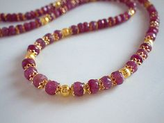 B Ear Jewelry, Bead Jewellery, Beaded Jewelry, Beaded Necklace, Gold Jewelry Simple, Gold Earrings Designs, Jewelry Patterns, Fashion Jewelry, Neck Chain