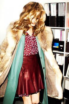 #kamzakrasou #sexi #love #jeans #clothes #dress #shoes #fashion #style #outfit #heels #bags #blouses #dress #dresses #dressup #trendy #tip #new #kiss #kisses #kissing #loveit #loveher #loveyou #lovehim #followme #follow4follow #like4likeCrosby Derek Lam - keď sa povie RETRO! - KAMzaKRÁSOU.sk