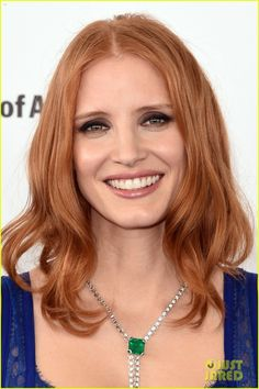 Jessica Chastain Is a Blue Beauty at Independent Spirit Awards 2016!