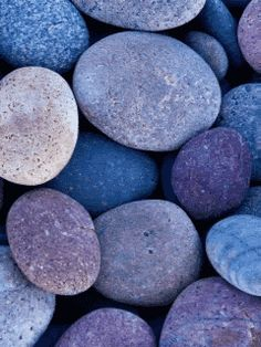 gif., stones in the water - are you lucky enough to have a beautiful stream with coloured stones at the bottom of your garden? Click this pic and see the water shimmy :)