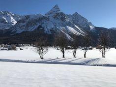 Tiroler Winter erleben #klockerhof #familiekoch #dashotelfürentdecker #zugspitzarena #tirol #winter #schnee Winter Schnee, Mount Everest, Snow, Mountains, Nature, Travel, Outdoor, Zugspitze, Outdoors