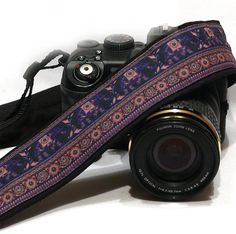 Lucky Elephants Camera strap. More camera straps here https://www.etsy.com/shop/LiVeCameraStraps? Beautiful, stylish camera strap for dSLR