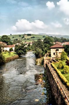 Liérganes, in Cantabria, Spain Places To Travel, Places To See, Travel Destinations, Wonderful Places, Beautiful Places, Travel Around The World, Around The Worlds, Spain And Portugal, Aragon
