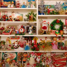 Vintage Christmas display: and I thought my vintage Christmas collection was big! Christmas is remembering. No better way than with vintage Christmas collectibles! Merry Christmas, Antique Christmas, Vintage Christmas Ornaments, Christmas Items, Christmas Love, Vintage Holiday, Beautiful Christmas, Winter Christmas, Christmas Crafts