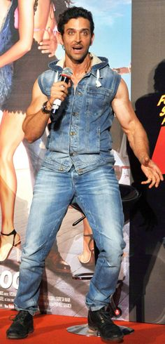 Hrithik Roshan in an animated mood at the launch of 'Bang Bang' title track. #Bollywood #Fashion #Style #Handsome