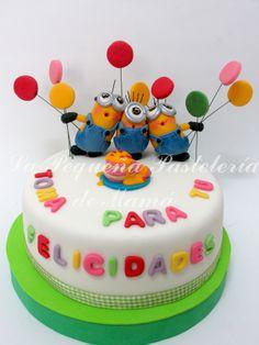 Tarta Minions de cumpleaños
