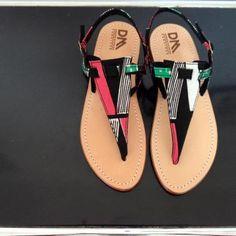 Sandalias de Doreen Mashika  Doreen Mashika's sandals made in Tanzania.