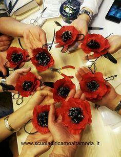 È  che il nostro corso di fiori in seta abbia inizio!!! Ecco i nostri primi fiori! Www.scuoladiricamoaltamoda.it www.fashionembroideryschool.com