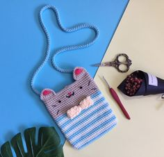Crochet Backpack, Crochet Pouch, Crochet Purses, Knit Crochet, Kawaii Crochet, Crochet Disney, Crochet Girls, Crochet For Kids, Crochet Camera
