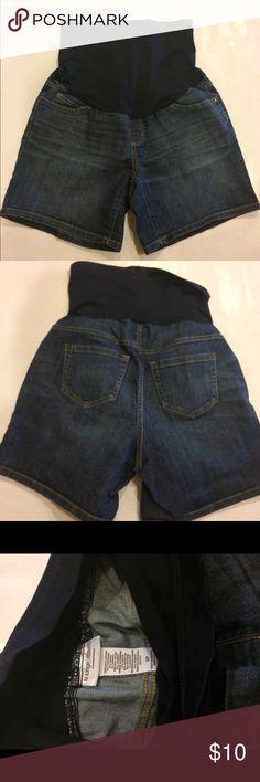 Liz Lange Jean maternity shorts S/P Cute, barely worn, stretchy top Jean Liz Lange maternity shorts. Small. Smoke free home dog mom. Liz Lange Shorts