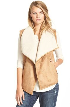 Free shipping and returns on Bernardo Faux Shearling Vest (Juniors) at Nordstrom.com. Layer up against cooler weather in a soft faux-shearling vest topped with a wide, fleecy collar.