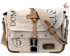 Canvas Designer Messenger // Handmade & Upcycled by peace4you, GERMANY // Model paul-2088