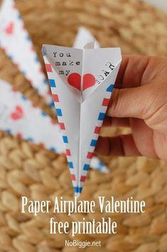 free printable paper airplane Valentine - NoBiggie.net #freeprintable #valentinesday #valentine