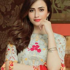 Love Lovely Girl Image, Beautiful Girl Photo, Girls Image, Beautiful Eyes, Pakistani Models, Pakistani Girl, Pakistani Actress, Crazy Girl Quotes, Crazy Girls