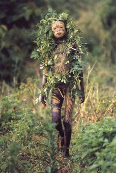 A beleza das Tribos Surma e Mursi, uma cultura em perigo, no sul de Etiópia 07
