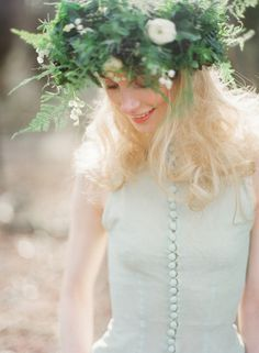 Floral crown inspiration via Wedding Sparrow (http://weddingsparrow.com)