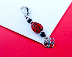 LadyBug Party Favor - Black and Red Beaded Zipper Pull