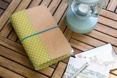 DIY-Anleitung: Reisetagebuch aus SnapPap Diy Guide, Diy And Crafts, Paper Crafts, Diy Notebook, Bookbinding, Travelers Notebook, Filofax, Getting Organized, Bagan