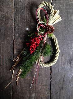 Christmas Floral Arrangements, Flower Arrangements, Christmas Wreaths, Xmas, New Years Decorations, Dried Flowers, Diy And Crafts, Holiday Decor, Handmade